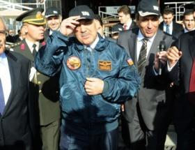 Cumhurbaşkanı F16 kokpitinde