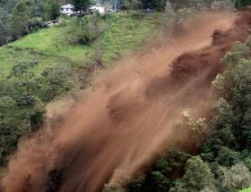 Kolombiyada toprak kayması: 21 ölü