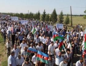 Azerbaycanda 10 binler Ağdam için yürüdü
