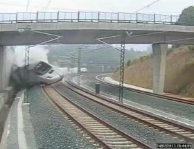 İspanyadaki feci kaza anı kamerada