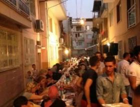 İzmirde 750 kişilik kardeşlik iftarı