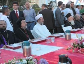 Taksimde iftar sofrasında buluştular