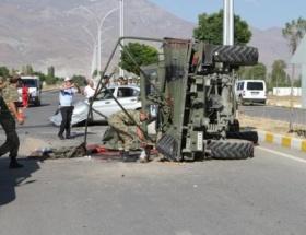 Askeri araç kaza yaptı: 9 kişi yaralı