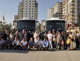 Belediye 60 kişiyi Konyaya götürdü