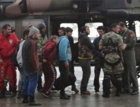 Kaybolan 7 genci asker kurtardı