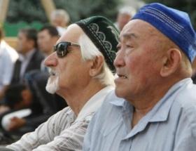 Kazakistanda halk camilere sığmadı