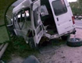 Fındık işçilerini taşıyan minibüs kaza yaptı