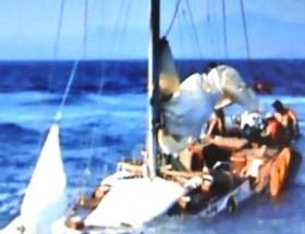 Batan teknede ölümü beklediler