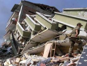 Depremin 14. yılında çürük binalar hâlâ ayakta!