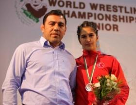 Güreşçi Buse Tosun dünya ikincisi oldu