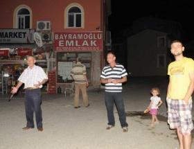Gemlikteki deprem Bursalıları sokağa döktü