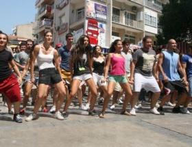 İzmir Fuarında gençlik ateşi