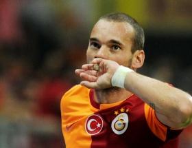 Sneijder gidiyor mu?