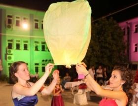 Fethiyede havai fişek ve dilek balonu yakanlandı