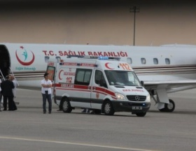 Eski Bakan, uçak ambulansla sevk edildi
