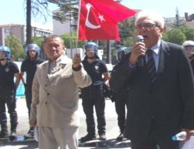 Vali Tunaya 10uncu Yıl Marşı tepkisi