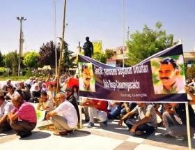 Öcalan posterli anadil eylemi!