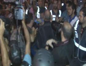 Gazetecilere polis müdahalesi!