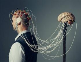 İnsan beyinli bilgisayarda ilk adım