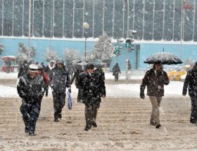 Ankarada okullar yarın da tatil