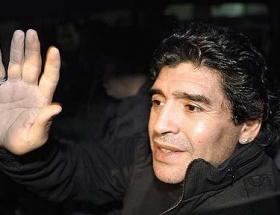 Maradonanın hedefi yine Pele