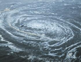 Tsunamiye kapılan gemi bulundu
