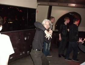 Assangeın apaçi dansı