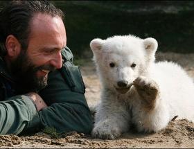 Knut suda boğulup ölmüş