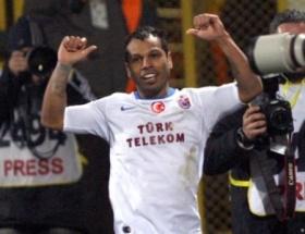 Alanzinho 2 yıl daha Trabzonsporda