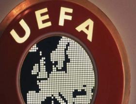 UEFAdan 3 efsaneye ödül