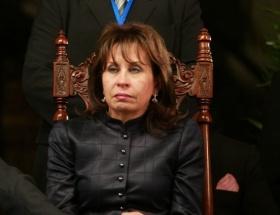 Başkan olabilmek için boşanıyor