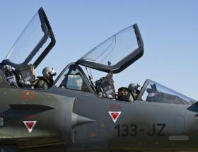 Birleşik Arap Emirlikleriden 12 uçak