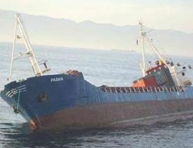 Fırtına nedeniyle gemi karaya oturdu