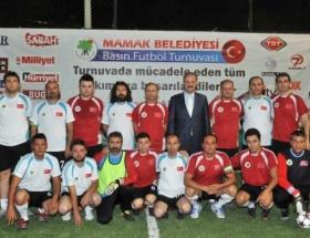 Mamak Basın Turnuvası 4 maçla başladı