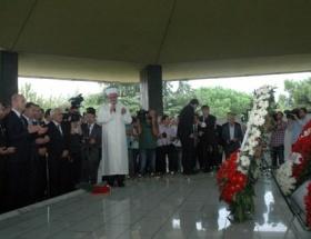 Adnan Menderes dualarla anıldı