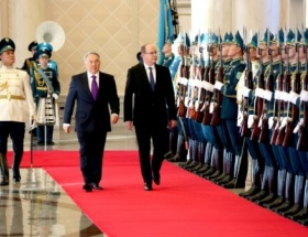 Nazarbayev, Monakoya gidiyor