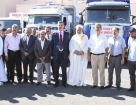 Suriyeye 2 kamyon gıda yardım