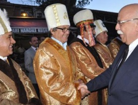 Milli Eğitim Bakanı Ahi Kaftanı giydi