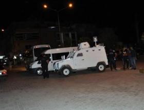 Askerler uyarı ateşi açtı: 1 kişi öldü