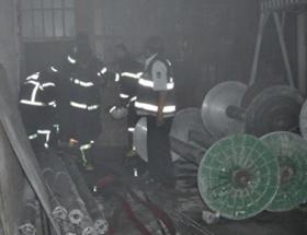 Uşakta dokuma fabrikasında yangın