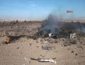 Sivasta askeri uçak düştü!