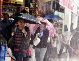 İzmirde sağanak yağış uyarısı