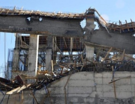 Muşta inşaat göçtü: 5 yaralı