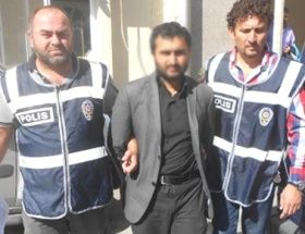 İzmirde dolandırıcı yakalandı