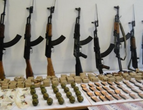Şemdinlide PKKnın silah ve mühimmatı ele geçirildi