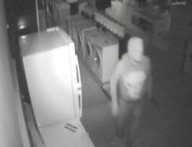 Mağazadaki hırsızlık güvenlik kamerasında