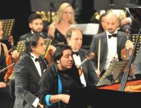 Piyano Festivalini Su ile açtı