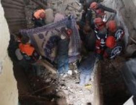 Bayburtta kerpiç ev çöktü: 1 ölü