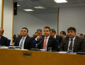 Bütçe görüşmelerinde Türk-Kürt tartışması