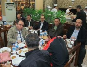 Başkan Şahinden Bafraspora moral yemeği